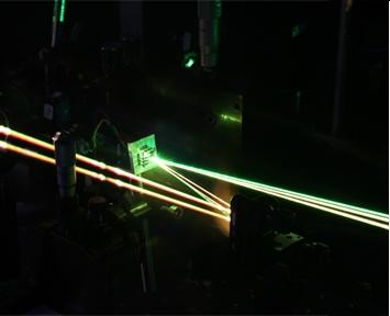Laser Apparatus to Study Singlet Fission at Cambridge. Image Credit: Sebastian Albert-Seifried.  Click image for the largest view.