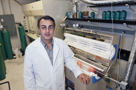 UICs Professor Amin Salehi-Khojin. Click image for the largest view.  Image Credit: Roberta Dupuis-Devlin.
